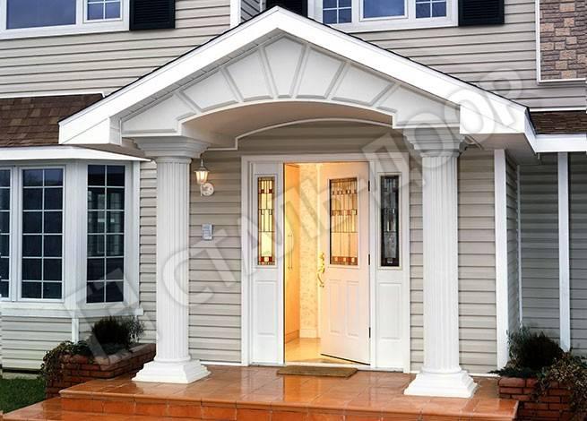 Белая трёхстворчатая входная дверь в коттедж из МДФ